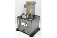 Parker Fluid pump division 1500psi AA 5 Gal cap  975PSI D5-1.5T3