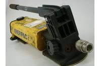 ENERPAC Hydraulic Hand Pump P802 MAX 10,000 PSI/700 BAR