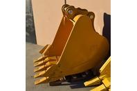 """48"""""""" Heavy Duty Excavator Bucket  CAT 330D (90mm PINS)"""