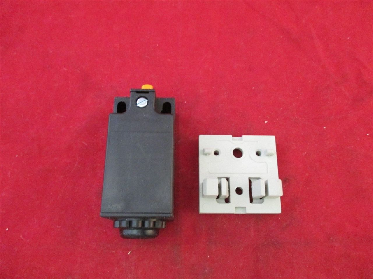 Rittal Ps 4127 Door Operated Switch New Process