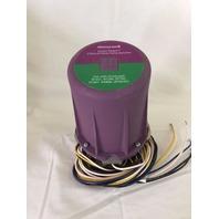 Honeywell C7012E 1104  Self Check  UV Flame Detector new