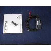 Keyence FS-V21R Fiber-Optic Photoelectric Sensor Amplifier new