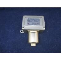 UE United Electric J6D 9557 0-40 psi Pressure Switch