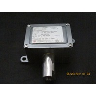 United Electric Controls Pressure Switch J6 230 96016 *NIB*