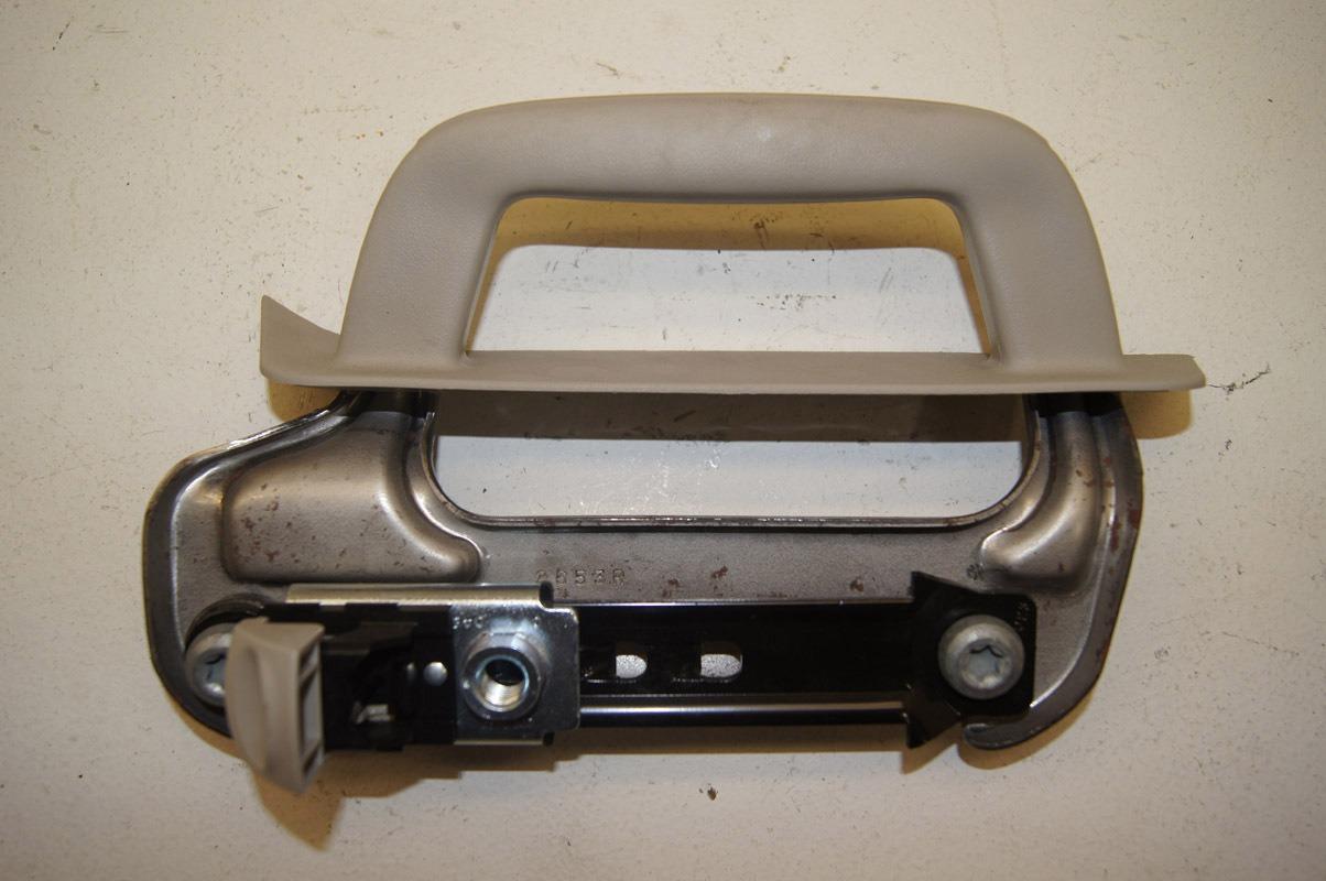 06 10 Hummer H3 Interior Door Handle With Bracket Grey Rh