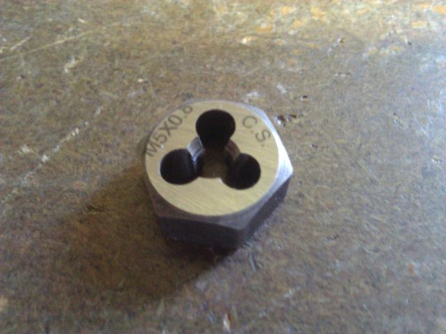 M5 X .80 CARBON STEEL HEX RE-THREADING DIE