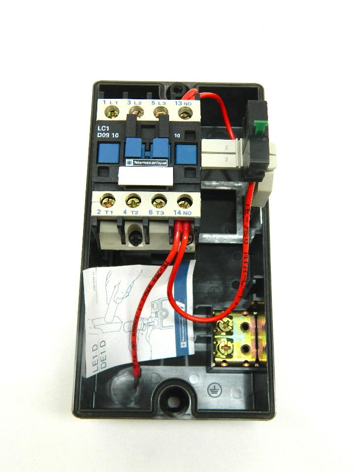 Telemecanique Le1 D093 Start Stop Motor Starter 110v