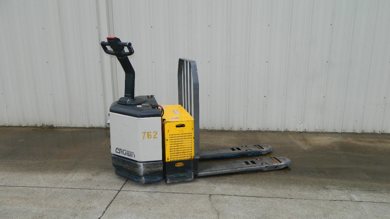 Crown 24v Electric Pallet Jack Pw3520 60 Good Battery 6000 Lb W Charger 120v Ebay