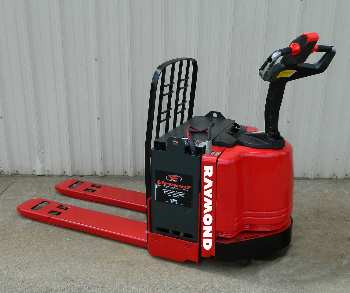 2004 Raymond 8300 Electric Pallet Jack 24v W Built In Battery Charger 6000 Lb Ebay