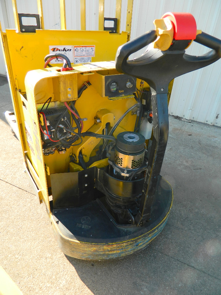 2004 Yale Mpw060 Electric Pallet Jack 24v 6000 Lb Cap Built In Battery Charger Ebay