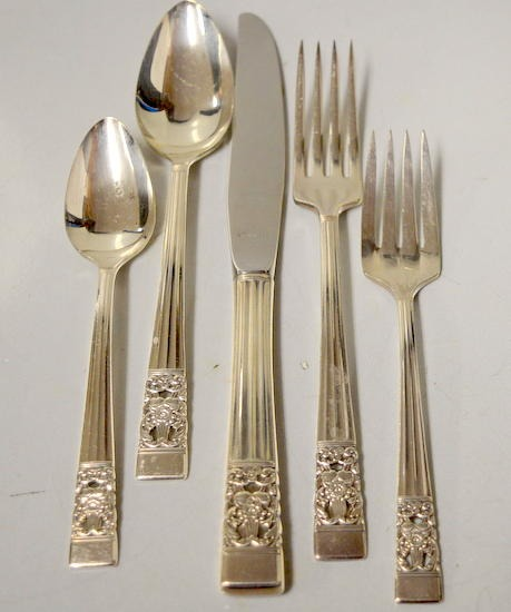 Oneida community silverplate ss flatware coronation Best brand of silverware