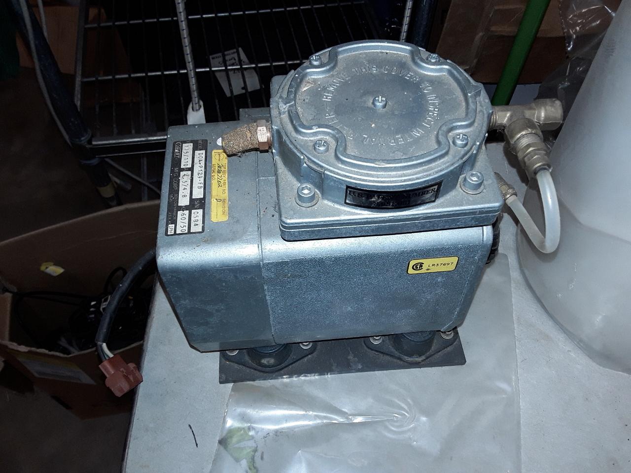 Gast Diaphragm Compressor Vacuum Pump Model D0a P129 Fb