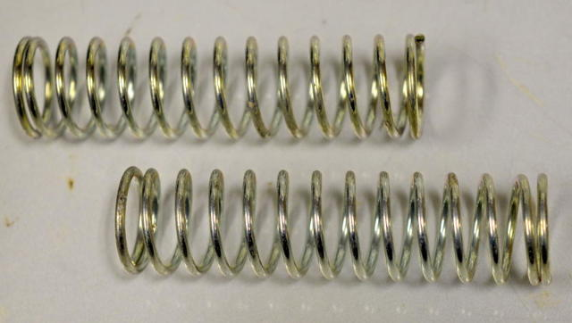 """Plated Compression Spring 5/8"""" x 3 3/8"""" - 12 pcs  #1604"""