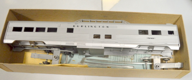 Athearn  HO Scale #1821 Santa Fe SL Vista Dome Car - Untested.