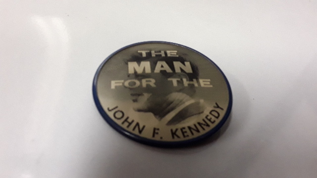 John F Kennedy - The Man for the 60's Campaign Button - Veri View Picture.#310