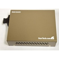 StarTech Media Converter MCMGBSC15, 9V, 0.6A Gigabit Single-Mode Fiber SC15km