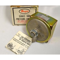 Dwyer 1823 Series 1800 Pressure Switch. New in box, box is not in the best shape.