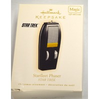 Hallmark 2009 Star Trek StarFleet Phaser - lLight and Sound - New in Box