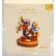 "Hallmark 2006 ""Sing-Along Pals, Mickey, Donald and Goofy -08316 - Sound/movement"