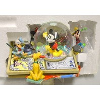 Disney Comic Strip Artists Mickey, Donald,Goofy and Pluto Snow Globe