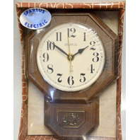 Spartus Electric Clock  - Wall or Mantle - Scholar 2162-61