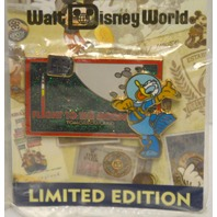 Disney Pin 40th Anniversary LE1500 Flight to the Moon-Donald Duck