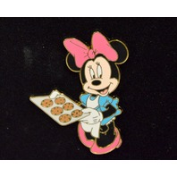 Disney Pin - Minnie Baking Cookies - 1950s Series - LE250