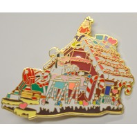 Diisneyland 2001 Goofy and Max Gingerbread house Christmas Parade LE3600 Pin