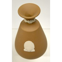 "Wedgewood 4 3/4"" Brown Vase with Single Shell on front and back - no box."