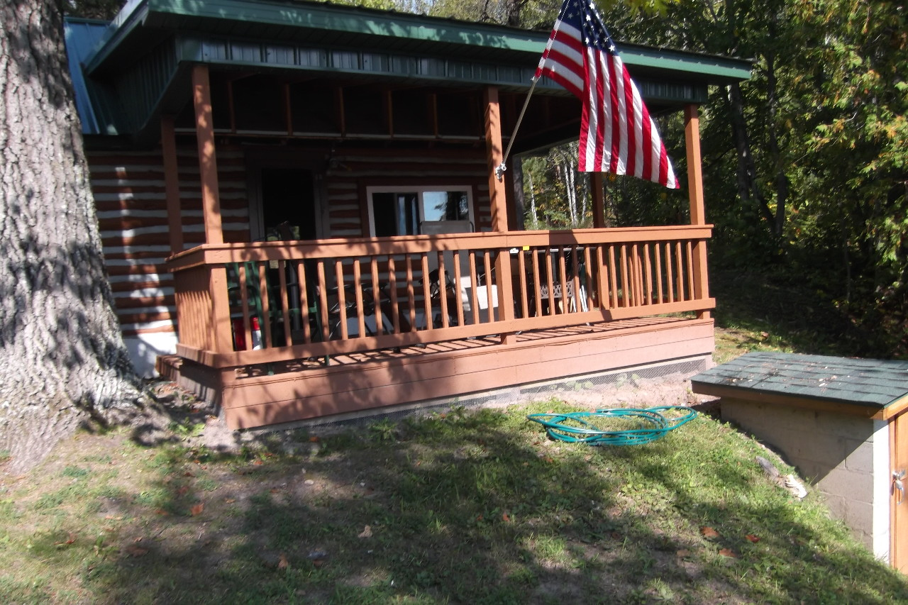 Rustic Log Cabin Home Located On Beautiful Thunder Bay