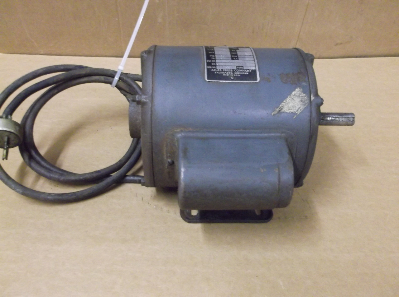 Atlas 1 2 hp electric motor 1 2 hp 1725 rpm for 1 2 hp ac motor