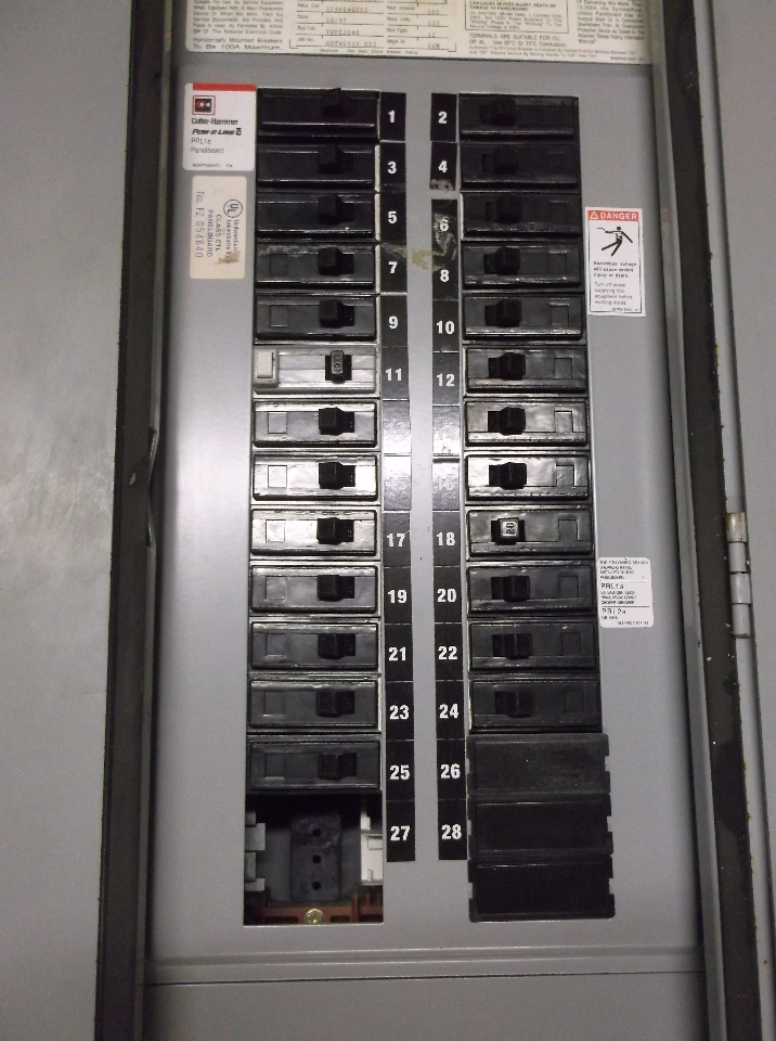 eaton 100 amp panel with Cutler Hammer Prl1a 100a   120 208v Distribution Panel Dis1939 on 322333381205 together with Sub Panel Install Main Panel Full further Cutler Hammer Prl1a 100a   120 208v Distribution Panel Dis1939 also Factory Model Square D Generator Interlock Kit Qo 100   Panels Transfer Switch Older Style moreover 3 Phase 100   Main Breaker Cutler Hammer Panel.
