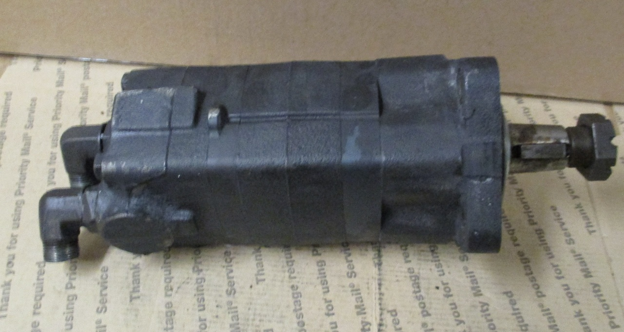 Char Lynn Eaton Hydraulic Motor Pump 104 1854 006