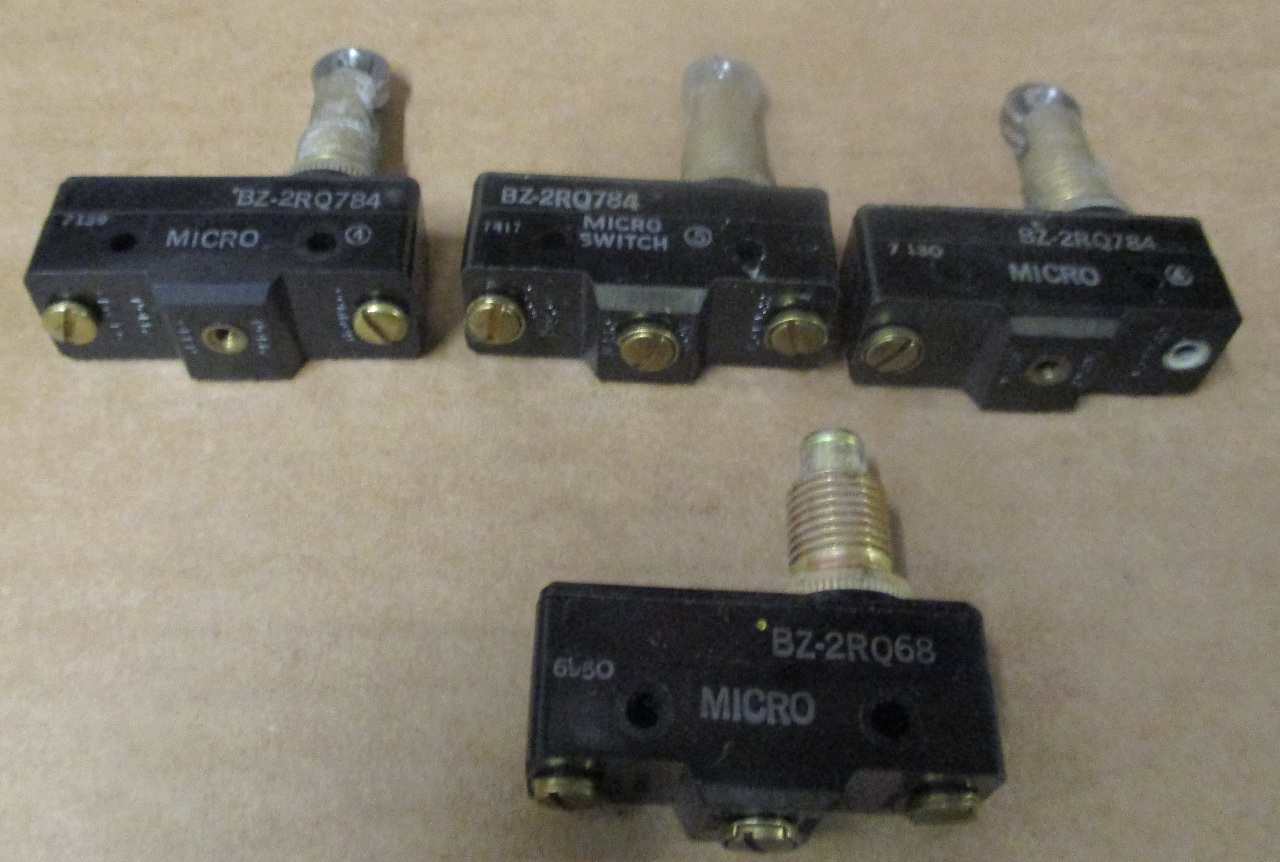 Lot Of 4 3 Micro Switch Bz 2rq784 1 2rq68 Used Microswitch