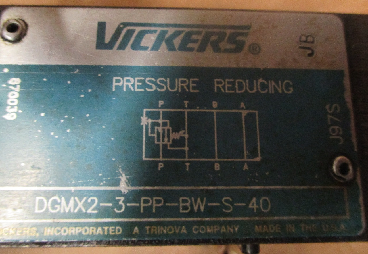 Lot of 2 VICKERS DGMX2-3-PP-CW-S-40 HYDRAULIC PRESSURE REDUCING VALVE