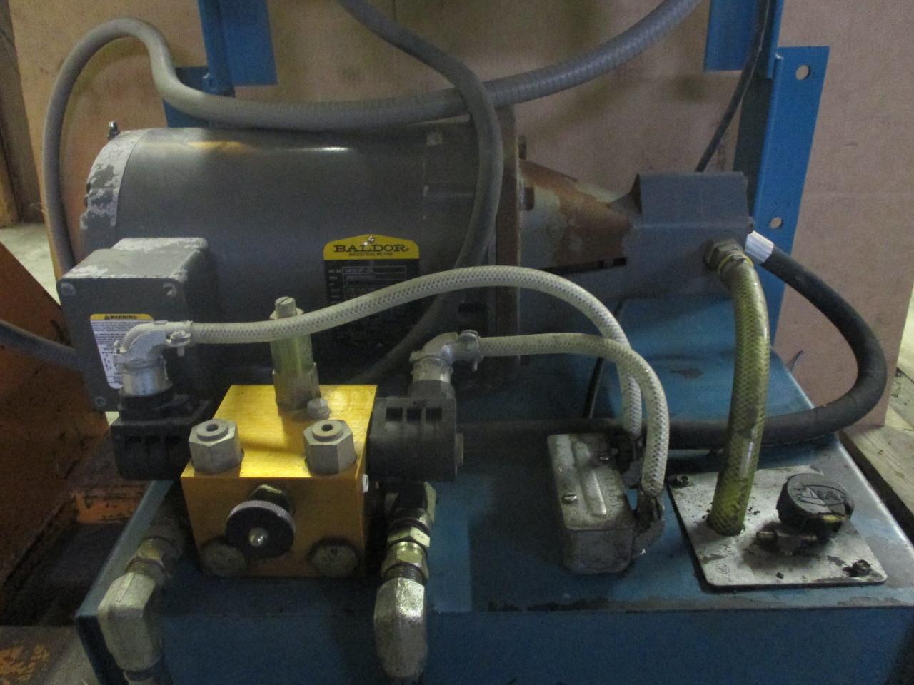 Advance lifts hydraulic pump fluid tank baldor motor 5hp Baldor industrial motor pump
