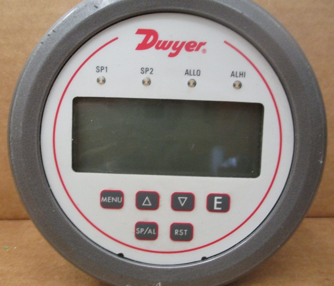 Digital Panel Meter Pressure Transducer : Dwyer digital panel meter pressure model dh daves