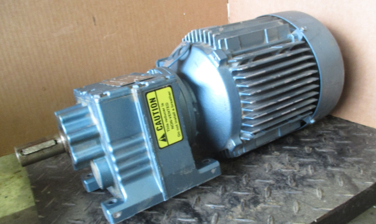 Sew eurodrive motor dft90l4 w gearbox reducer type r27a for Sew eurodrive gear motor