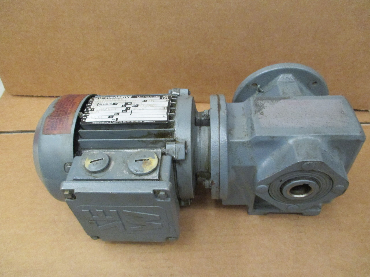 Sew eurodrive gear reducer motor type saf32 d63 n4 daves for Sew motors and drives