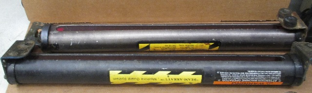 Lot of 2 Banner Light Curtain MGE1816A Emitter | Daves Industrial ...