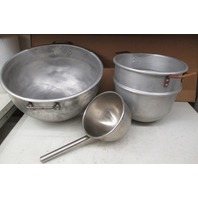 Misc. Metal mixing bowls (Lot of 3)