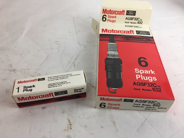 Motorcraft AGSF32C Spark Plugs - QTY OF 6