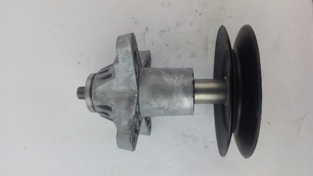 Spindle Assembly for MTD, Cub Cadet PN 618-04608A