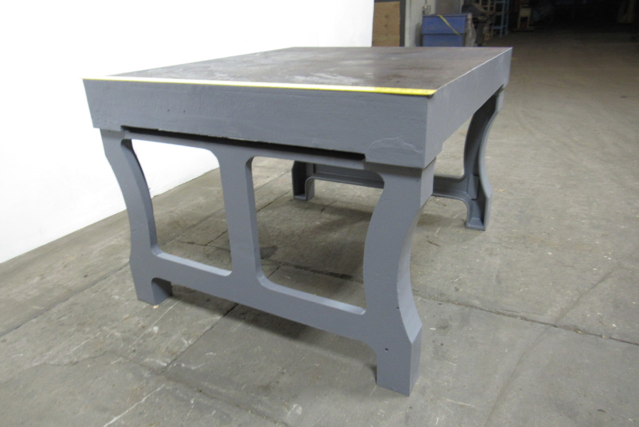 Cast Of Benched : Vintage cast iron welding layout inspection work table