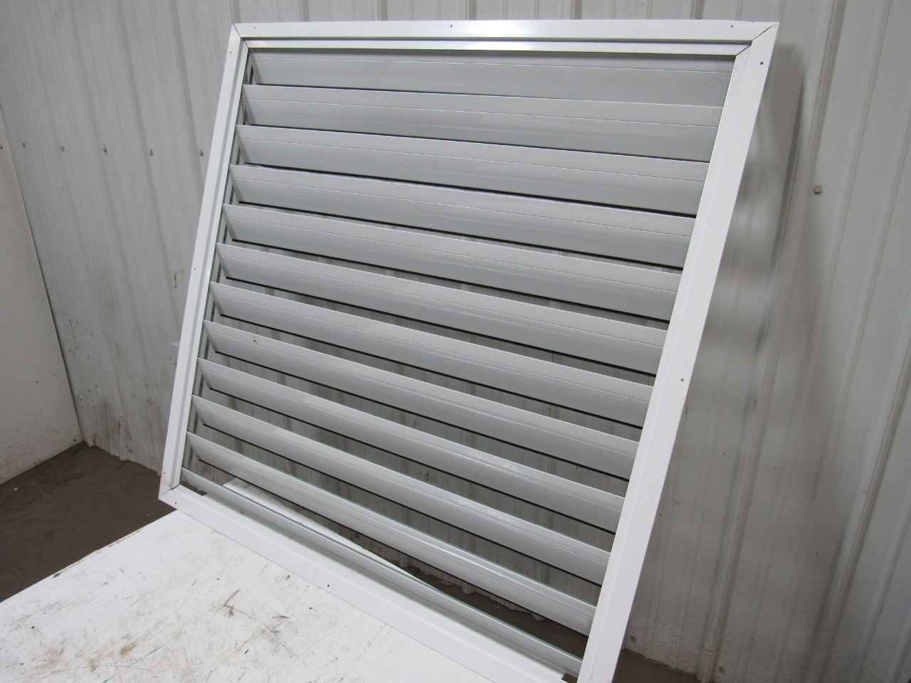 Dayton 3c243a 48 Ceiling Shutter White New W Repairable