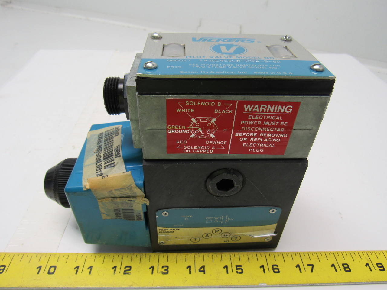 Vickers 880027  PA5DG4S4-LW-012A-B-60 Hydraulic Control Valve
