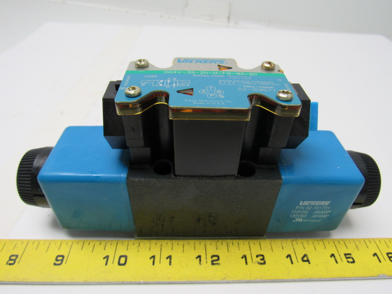 Vickers 02-109577 DG4V-3S-2N-M-FW-B5-60 Hydraulic Directional Control Valve