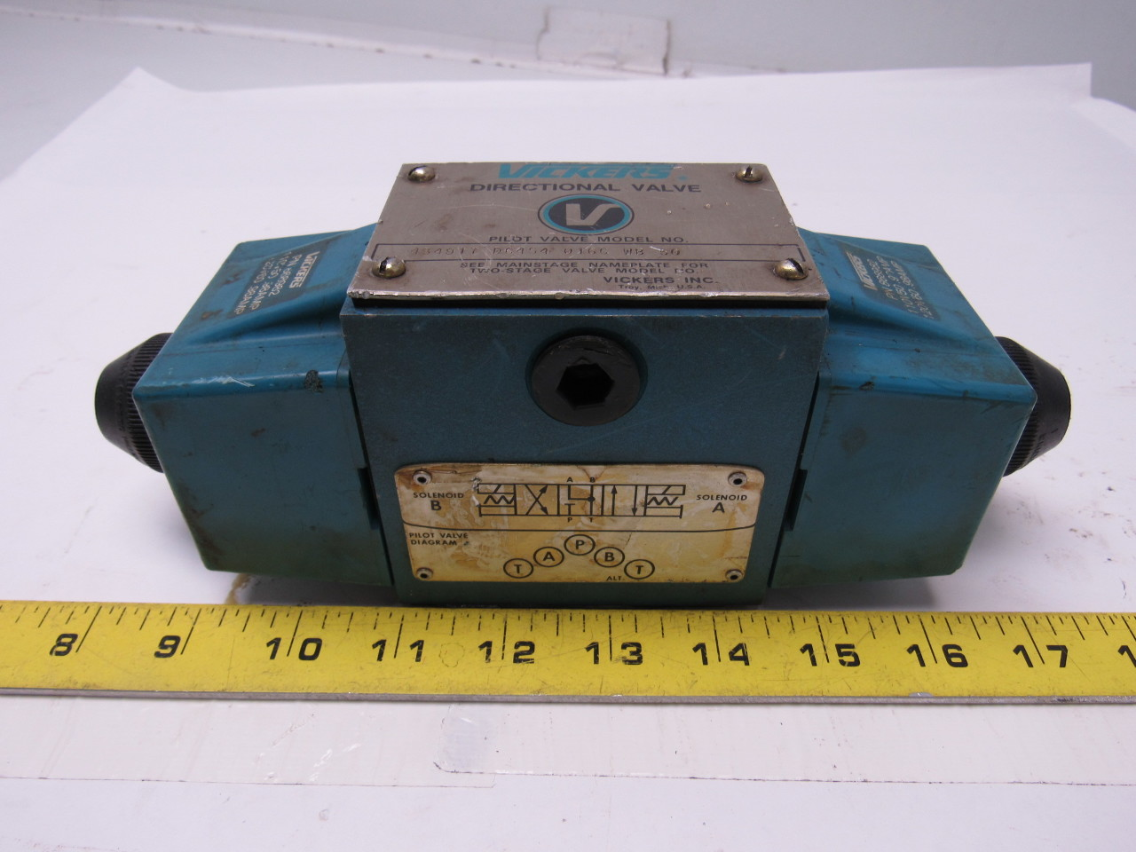 Vickers 434917 DG4S4 016C WB 50 Hydraulic Directional Control Valve