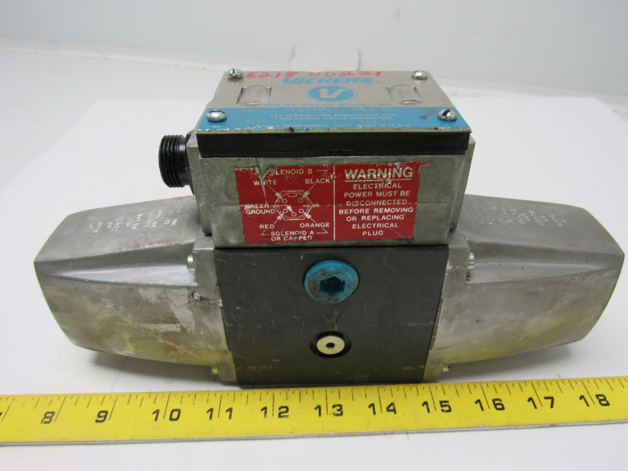 Vickers 880027 PA5DG4S4-LW-012A-B-60 Hydraulic Directional Control Valve