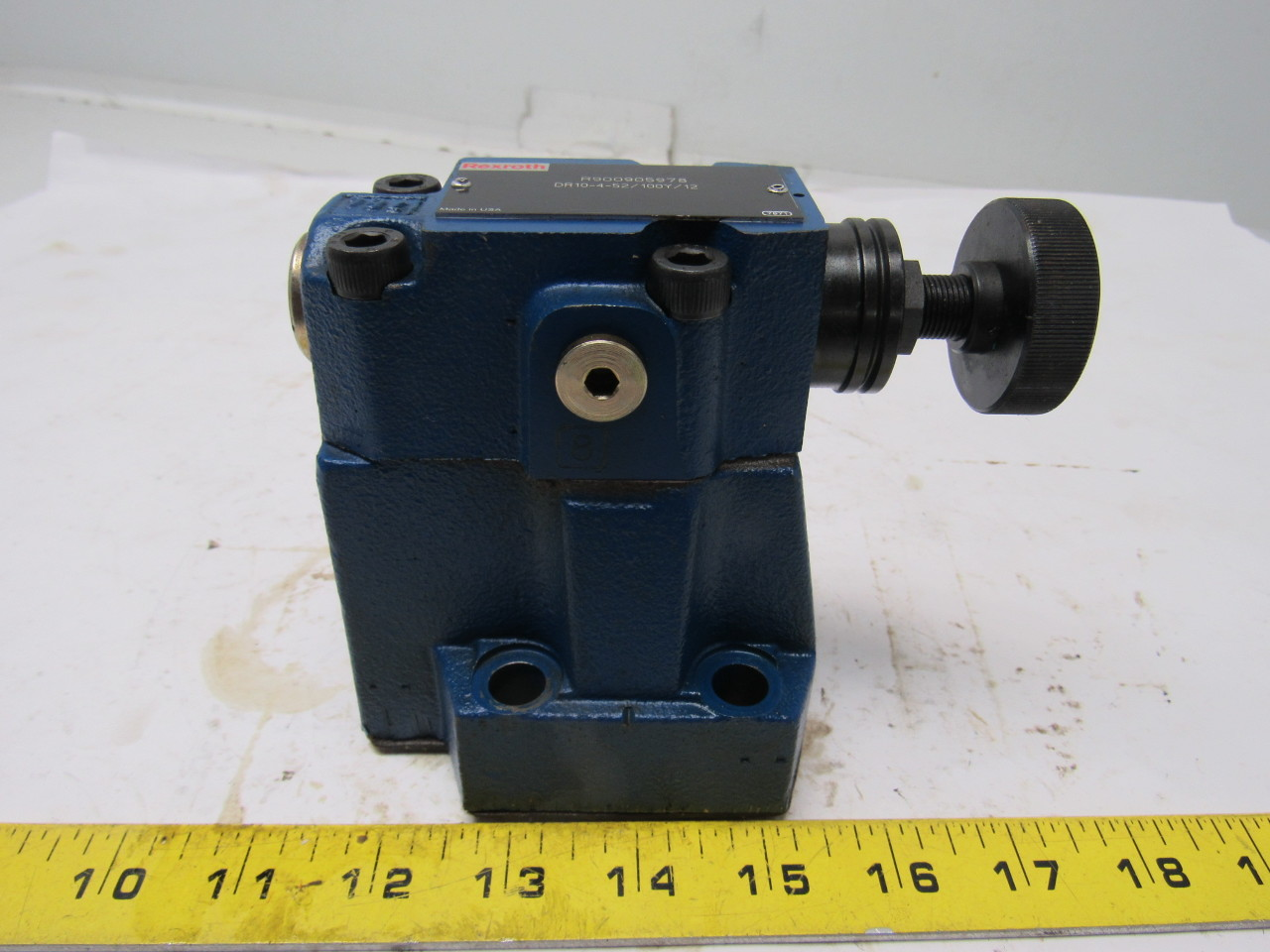 Bosch Rexroth R900905978 DR10-4-52/100Y/12 Pressure Reducing Valve
